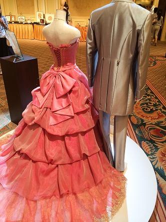 ミラコスタドレスのローザ・ベッリッシマ後ろ