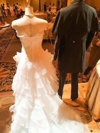 ミラコスタドレスのグラナートとプーラフォンテ後ろ