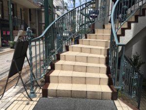 1⇔2F階段