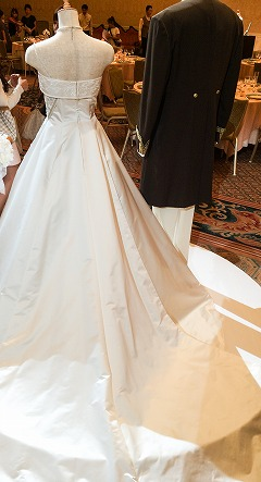 ミラコスタドレスのプリンチペッサとトパツィオ後ろ