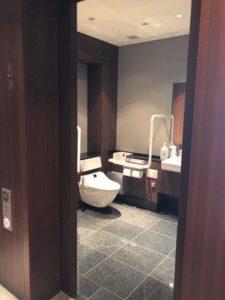 4F多目的トイレ